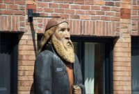 Downtown statue - Huntingburg